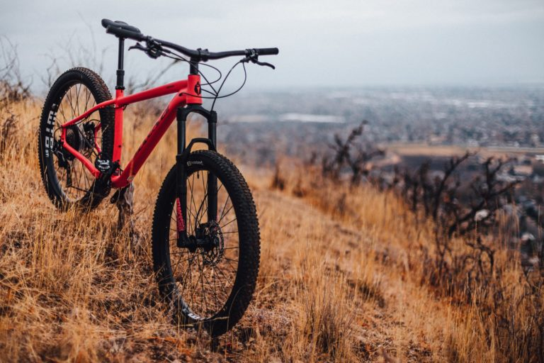 When To Use Lockout On a Mountain Bike?