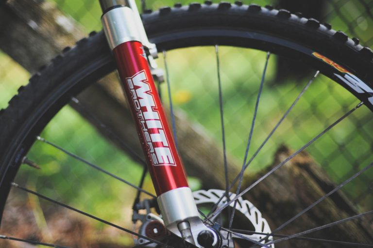 How To Replace A Bike Tube The Right Way