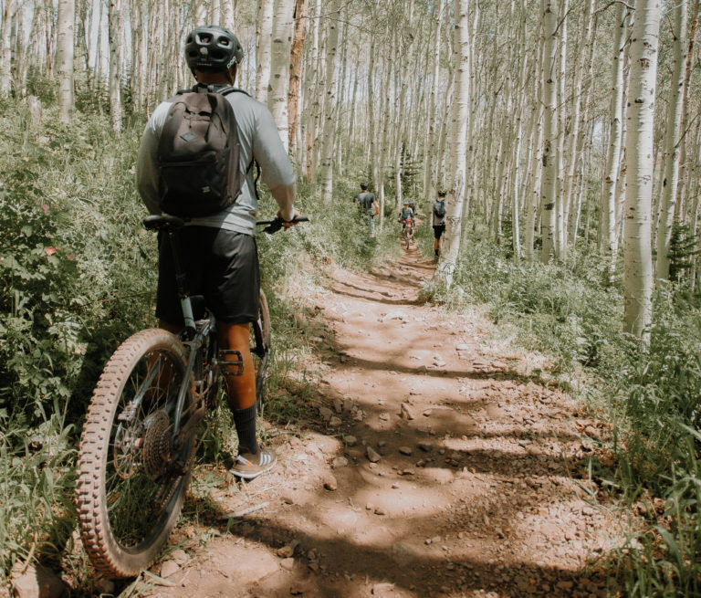 Trail etiquette - Who has right of way?